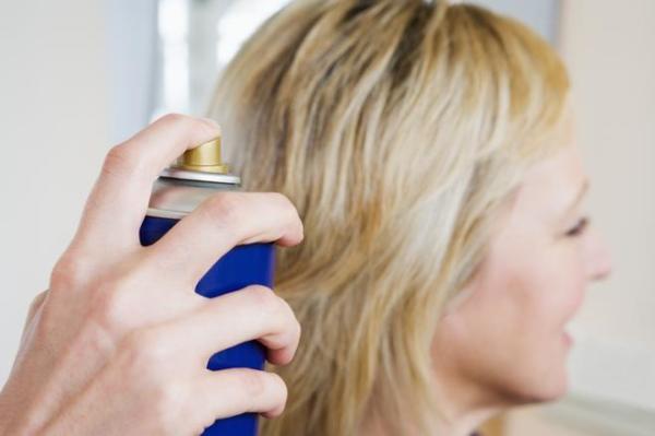 Лак для волос – может справиться с проблемой