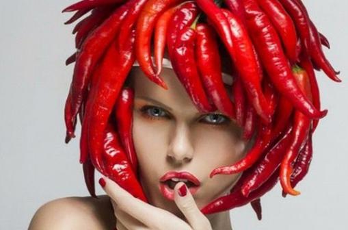 Лечим волосы в домашних условиях от выпадения жгучим перцем.