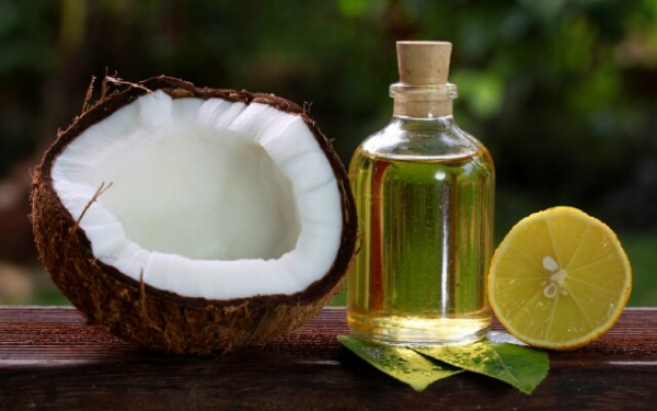 Лучшее эфирное масло для волос – это то, которое делает локоны здоровыми и дарит отличное настроение
