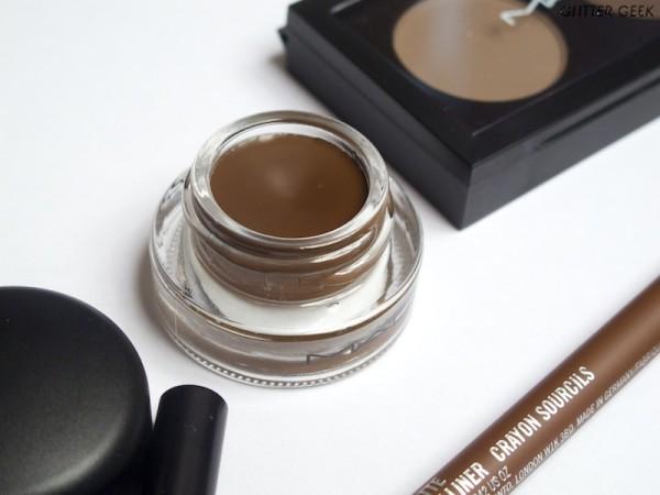 МАС для тех, кто предпочитает профессиональный подход к макияжу