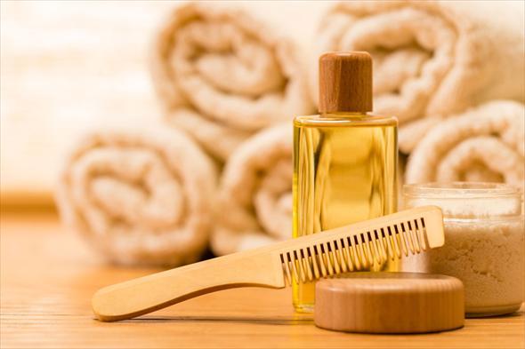 Маска для волос от секущихся кончиков может содержать оливковое, миндальное персиковое масло или их смесь
