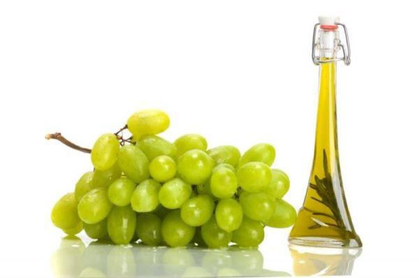 Масло из виноградных косточек используется в качестве основы