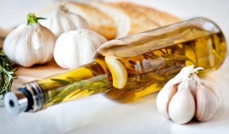 Масло розмарина и чеснок – улучшат кровообращения