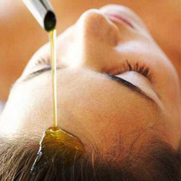 Многие заблуждаются в том, что для жирных волос нельзя применять масла, это не совсем так.