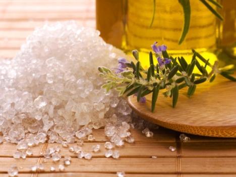 Морская соль дарит крепость волосам
