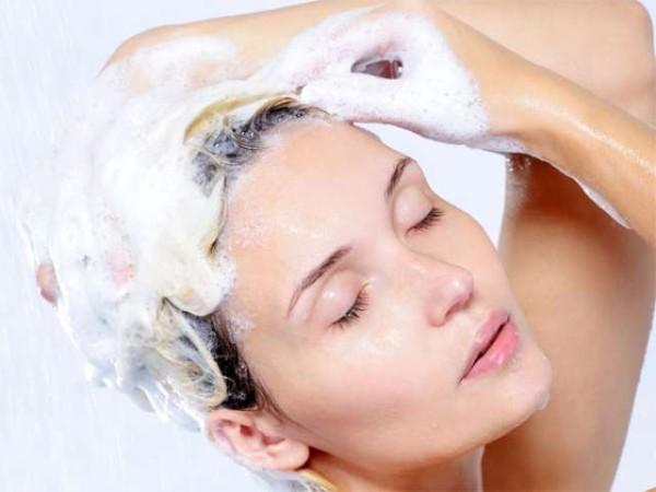 Мытье волос – один из важных этапов ухода за ними
