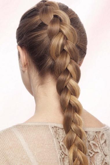 На фото – обратная французская коса.