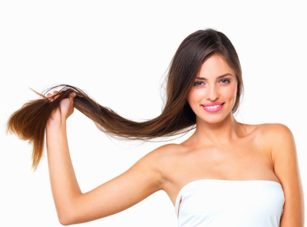 На фото: длинные волосы – активизировать их рост можно простыми и доступными методами