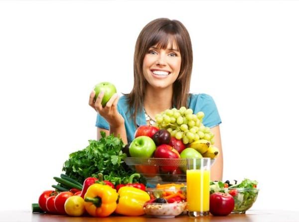 На фото полезные продукты: правильное питание сохранит здоровье не только организму, но и локонам