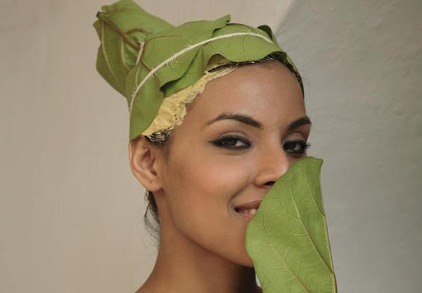 Нанесение натуральных масок благоприятно сказывается на здоровье шевелюры