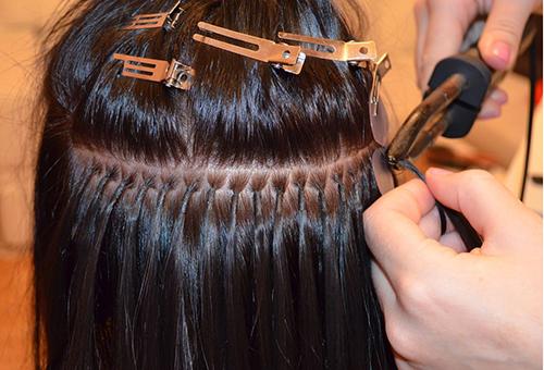 Наращивать волосы можно разными способами