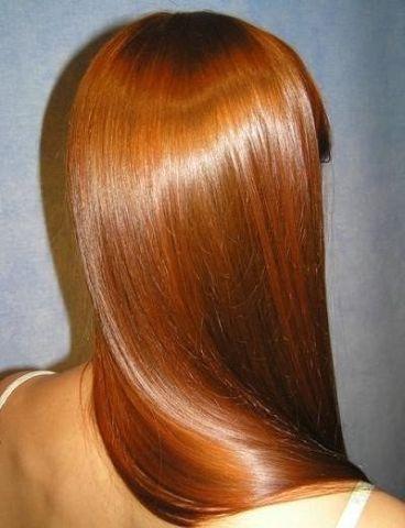 Настоящая хна отлично возвращает волосам живой блеск.