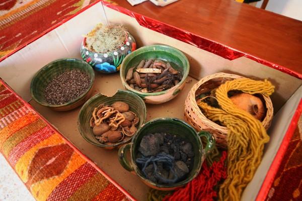 Натуральные красители: ромашка, орех, кофе, свекольный сок