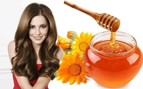 Натуральный мед – залог здоровья шевелюры.