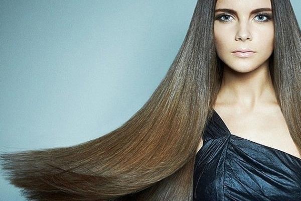 Не являясь лечебной процедурой, шелковое глазирование волос, тем не менее, заметно улучшает их структуру, придает красивый и здоровый вид.