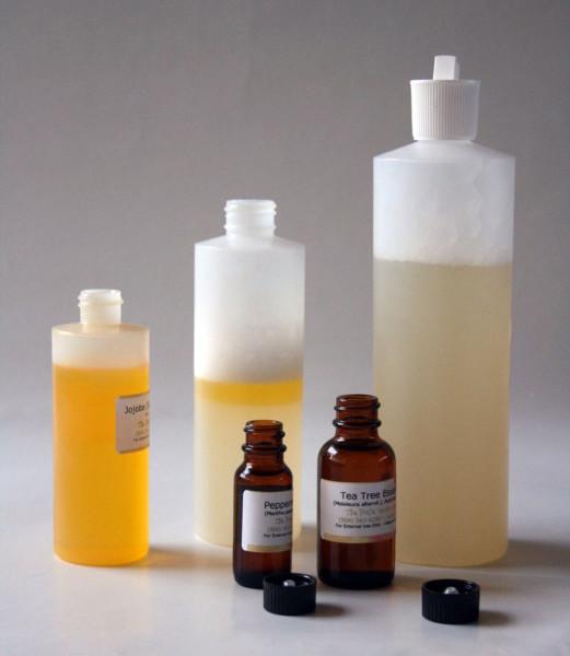 Нейтральная основа и масла – простейший рецепт создания шампуня своими руками.