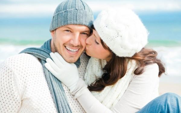 Независимо от пола обладатели родинок над бровью ищут в своем партнере стабильность и строят долговременные отношения