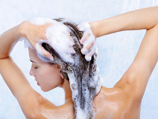 Никакого мытья головы первые три дня после процедуры