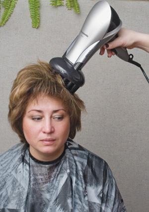 Объемная прическа на короткие волосы