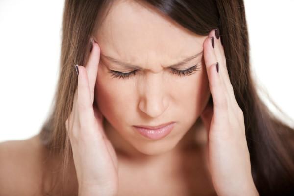 Одним из побочных эффектов использования кислоты является головокружение и головная боль