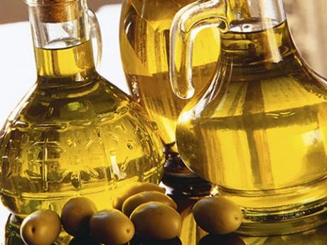 Оливковое масло смягчает действие корицы на кожу головы