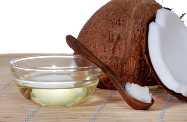 Органические пенящиеся вещества добывают из кокосового масла