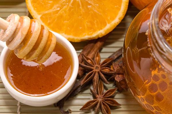 Осветлители волос: корица с медом и лимон.