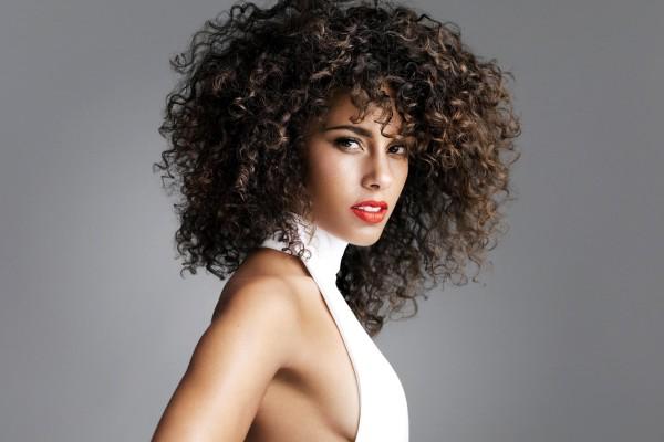 Папильотки будут ответом и на вопрос, как накрутить термо волосы, которые при частой обработке высокими температурами утрачивают привлекательный внешний вид