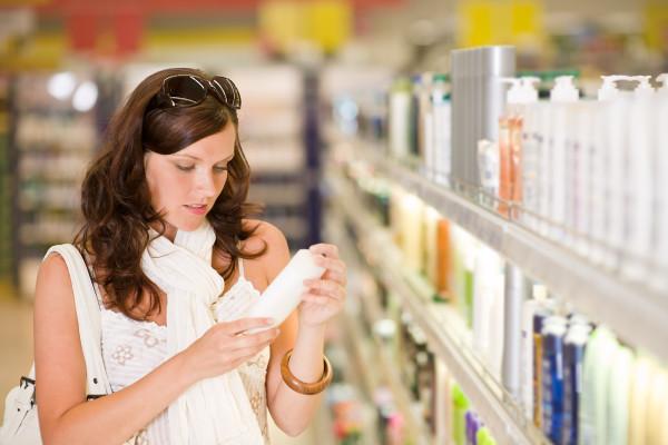 Перед покупкой, внимательно изучайте состав препаратов для мытья волос