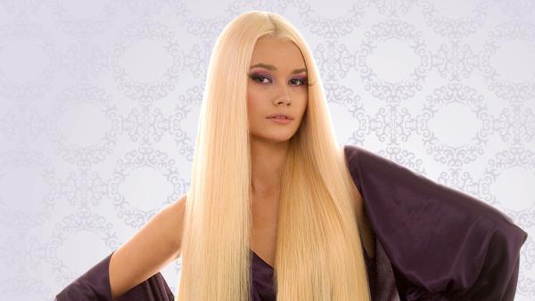 Перед процедурой создания роскошной длинной шевелюры очень важно выяснить, сколько стоят нарощенные волосы, каким методом их лучше всего прикрепить и как долго такие пряди будут держаться