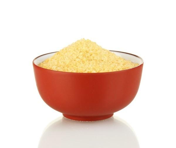 Пищевой желатин выпускается в виде гранул, крупинок или порошка желтоватого цвета.
