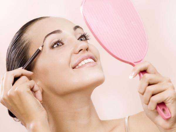 Подчеркнутые брови – основа макияжа