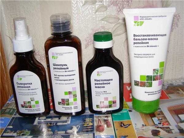 Полезные свойства лопуха хорошо известны производителям косметики, поэтому нередко на витринах магазинов можно встретить маски, шампуни и спреи с экстрактом репейника