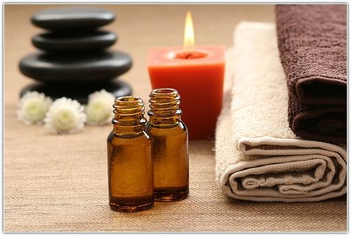 Помимо ароматерапии эфирные масла активно применяются в косметологии