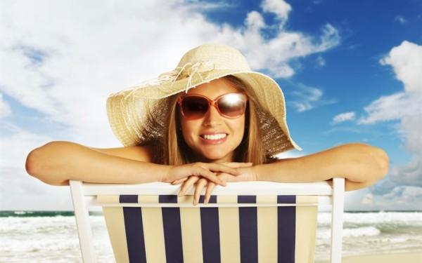 После процедуры стоит спрятать брови от прямых солнечных лучей.