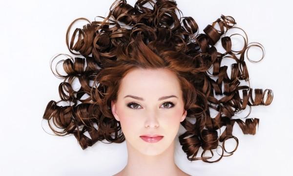 Появление автоматических приборов для завивки в разы упростило процесс укладки волос