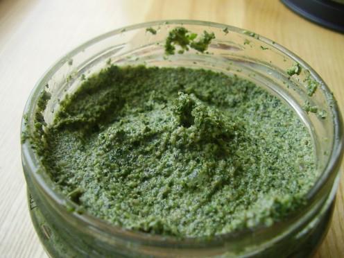 При необходимости измельченную крапиву храните только в холодильнике не дольше 2-3-х дней