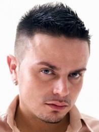 Прическа бокс отлично подчеркивает мужской стиль.