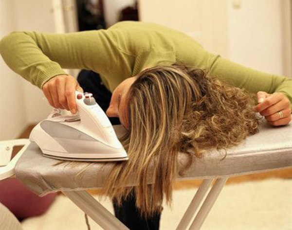 Принцип работы дешевого парикмахерского инструмента: на фото явный пример отчаяния некоторых дам