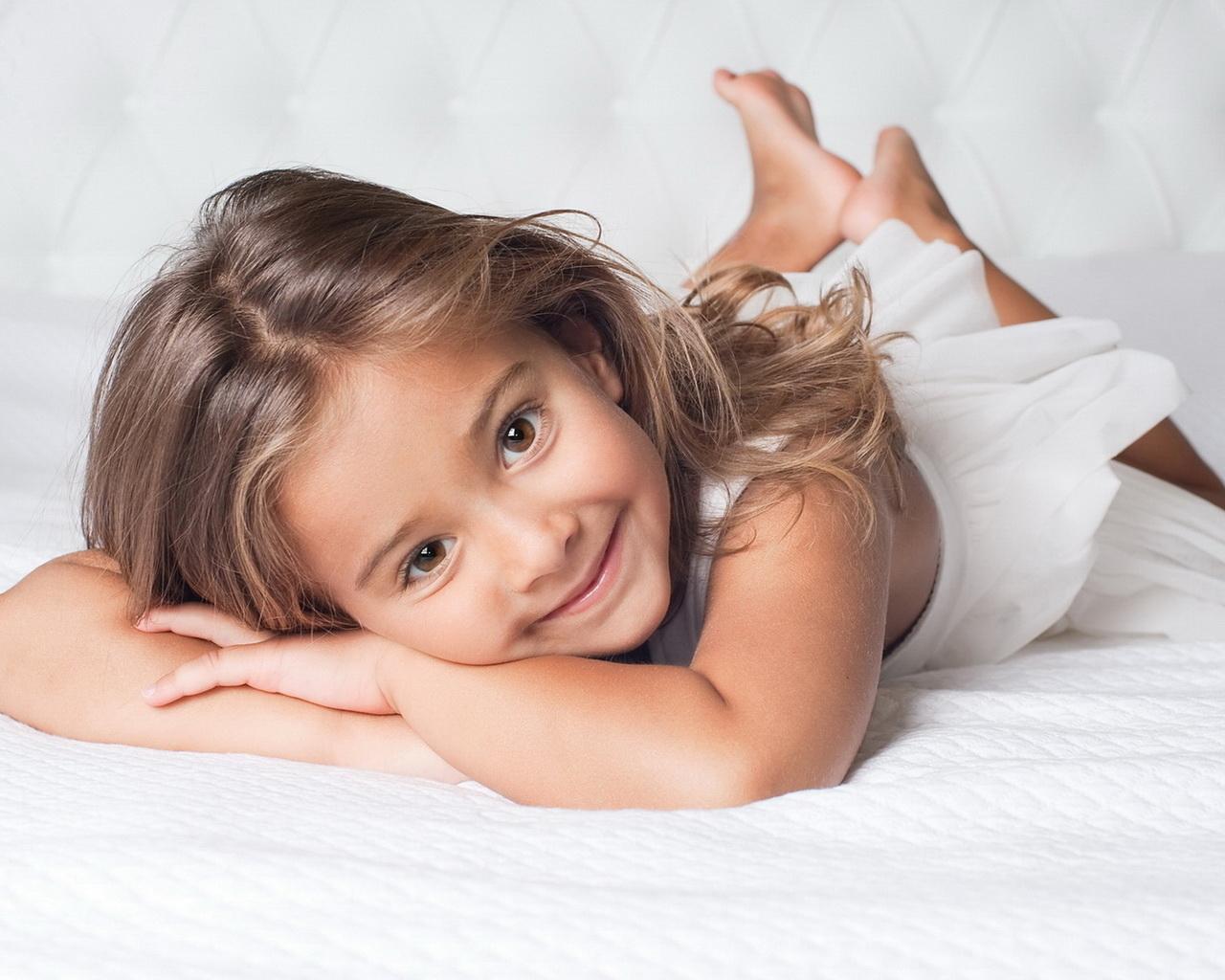 До какого возраста у ребенка меняется цвет волос