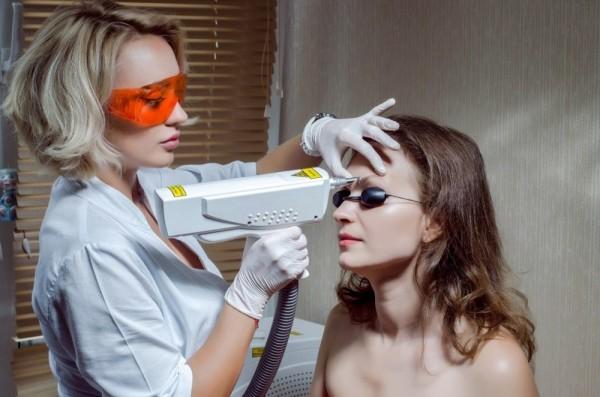 Процедура лазерного удаления татуажа