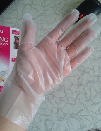 Работать нужно в перчатках, а то придется лечить и руки