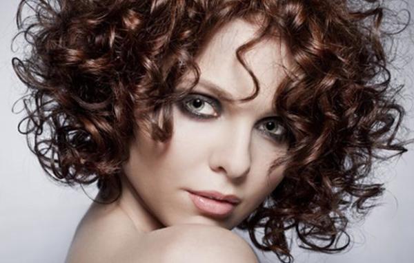 Разумное применение средств позволит вам решить любые проблемы, возникающие с вашими волосами
