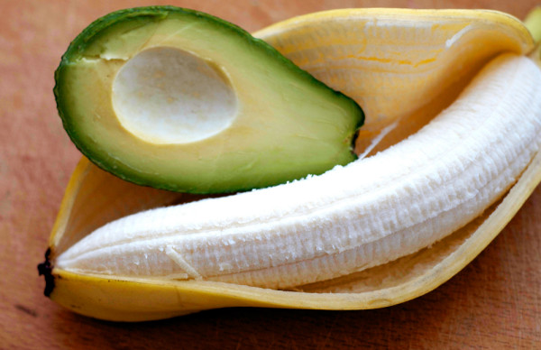Рецепты с фруктами подойдут обладательницам непослушных вьющихся волос