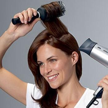 Как сделать волосы объемными с помощью расчески