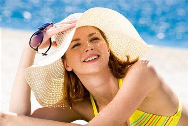 Шляпа должна стать вашим постоянным спутником летом