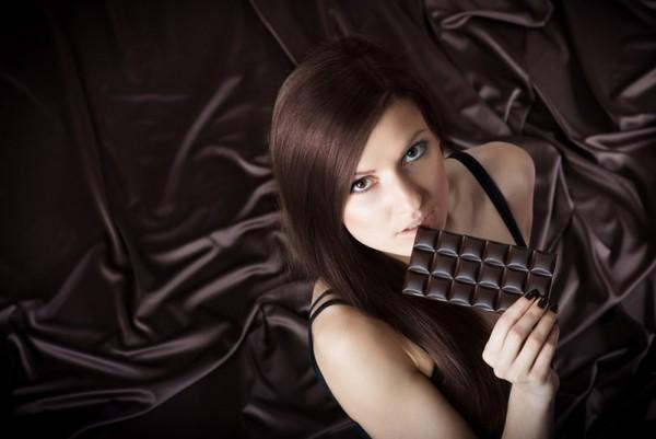 Шоколадные локоны – выглядят соблазнительно и очень элегантно