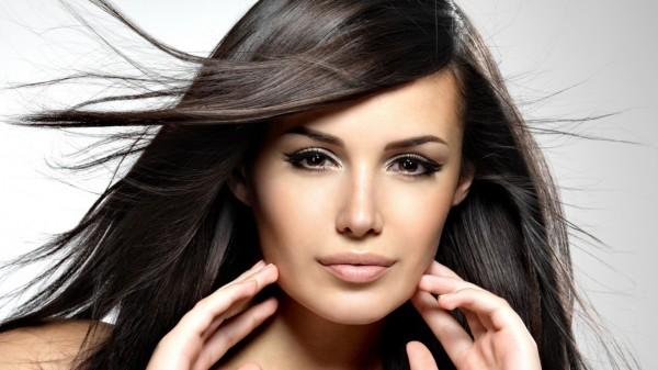 Сияющие волосы – отражение здоровья женщины