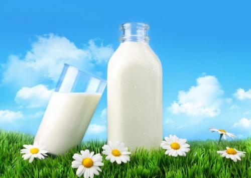 Средства на основе молока окажутся более действенными, если вы приобретете домашний продукт.