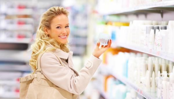 Старайтесь выбирать те продукты по уходу за кудрями, в состав которых входят натуральные ингредиенты, например, кератин, масла, пантенол и различные витамины